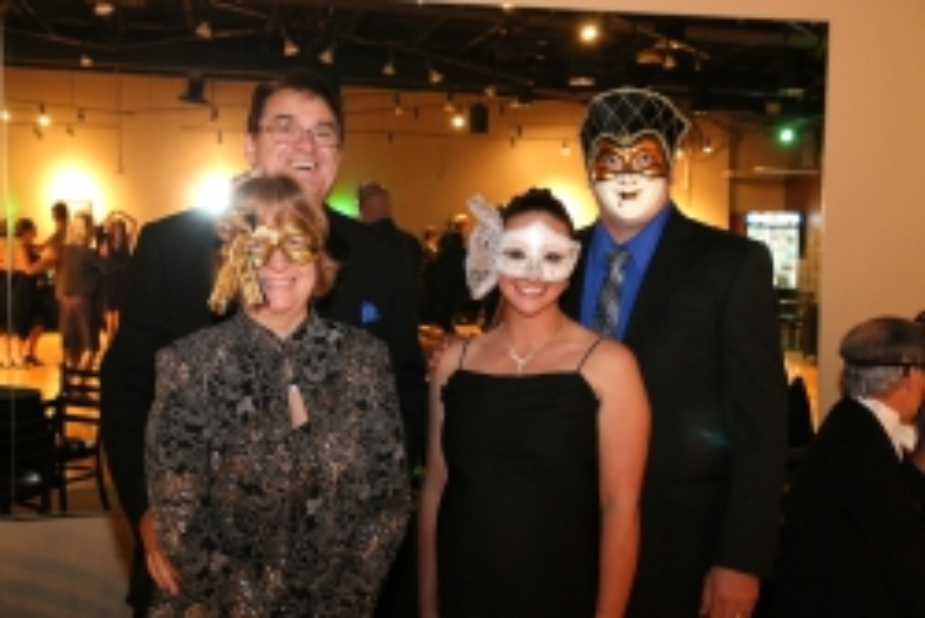 masquerade 071